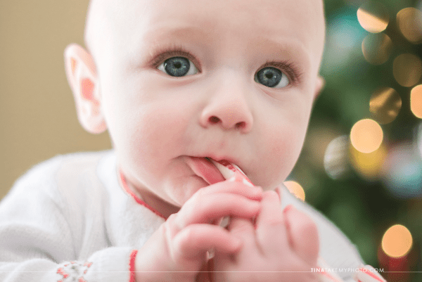 Midlothian-Richmond-VA-Family-Baby-First-Christmas-Tree-Bokeh-Candycane-Holiday-Photo-Session-Photography (11)
