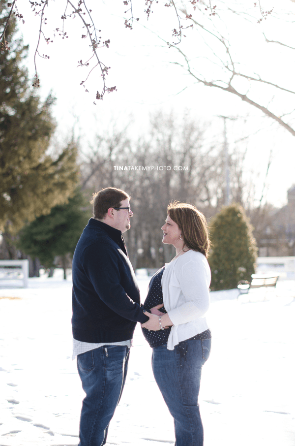 Have-De-Grace-Maternity-Maryland-Winter-Snow-Baby-Bump-Photographer-MD-VA (2)