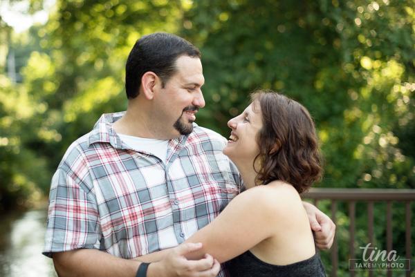 Maryland-Engagement-Wedding-Photographer-Sunny-Summer-Leonardtown-Photo-Session-Waterfront-12