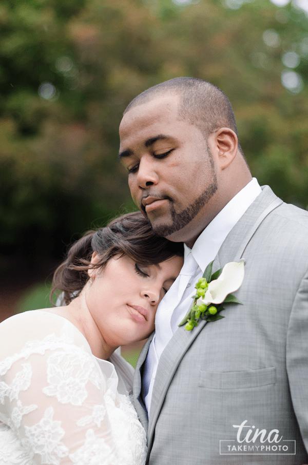 wedding-photographer-bride-groom-portrait-summer-brandermill-country-club-virginia-2-rain