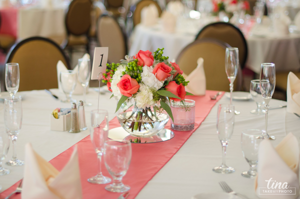 wedding-photographer-table-setting-flowers-pink-roses-summer-brandermill-country-club-virginia-1
