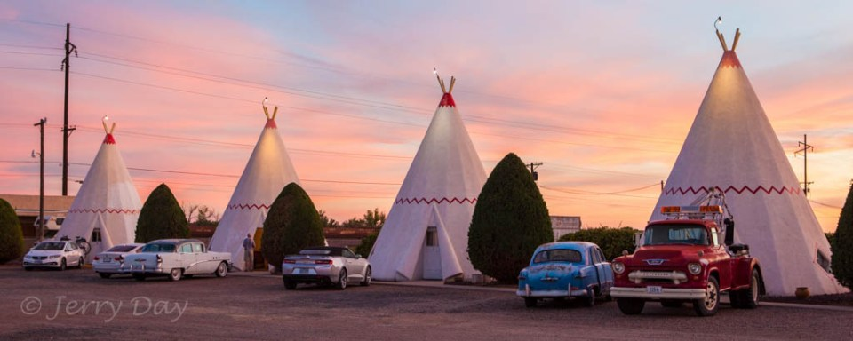 Wigwam Motel at Sunset, Holbrook, AZ