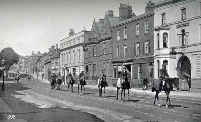 Horses_in_the_High Street_c.1895