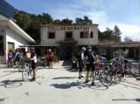 Knapp 2km über dem Kloster Lluc trafen wir uns am Kaffee an der Tankstelle