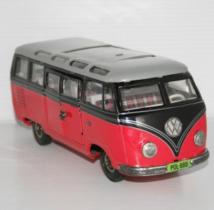 13Tipp&Co.LemyPoliumexTFCVWTransporterMicro-BusPink