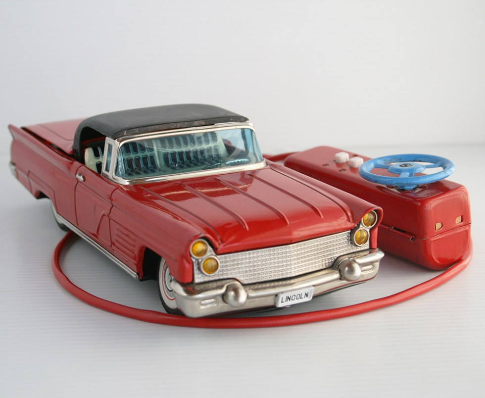 Yonezawa Cragstan 60's Lincoln Convertible Retractable Top R/C Battery Operated 11.5 inches (29 cm) original tin toy car