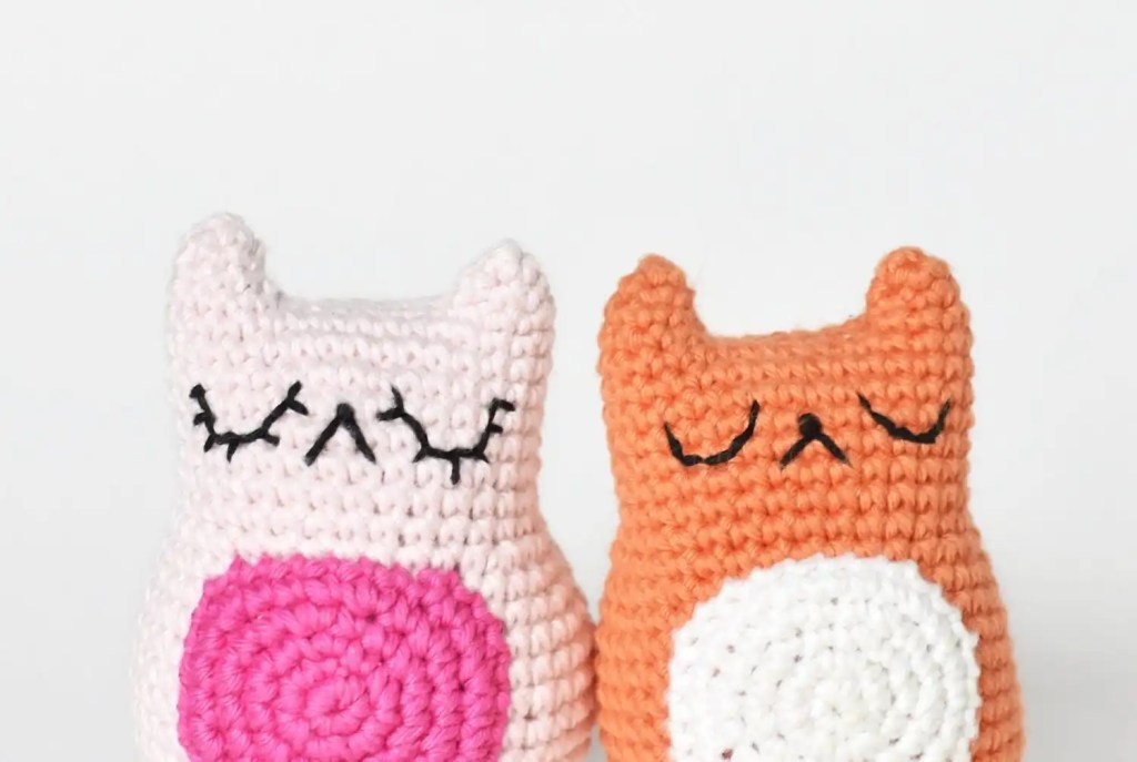 Tiny Cat Amigurumi Crochet Pattern | A Free Pattern by Tiny Curl