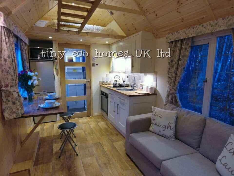 traditional-range-tiny-home2