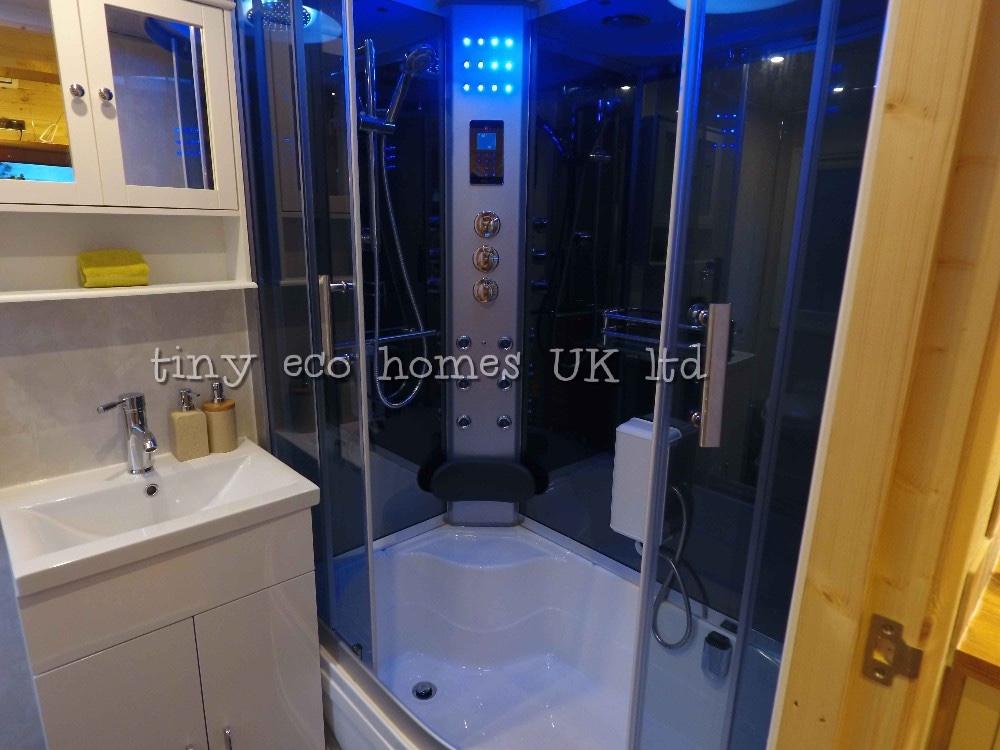 traditional-range-tiny-home5
