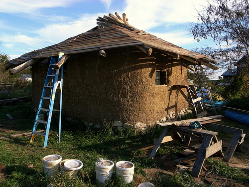 A Closer Look At Tiny Cob House Construction