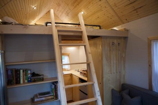 Jamisons Tiny House - Loft Ladder