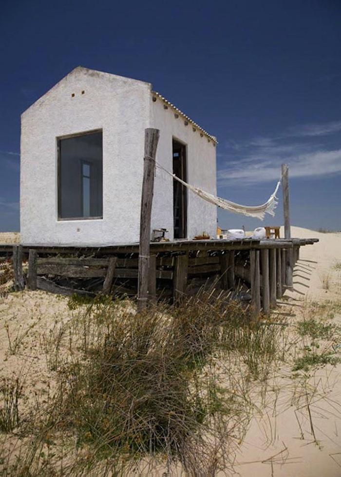 Tiny Beach Home Designs: Beach House In Uruguay