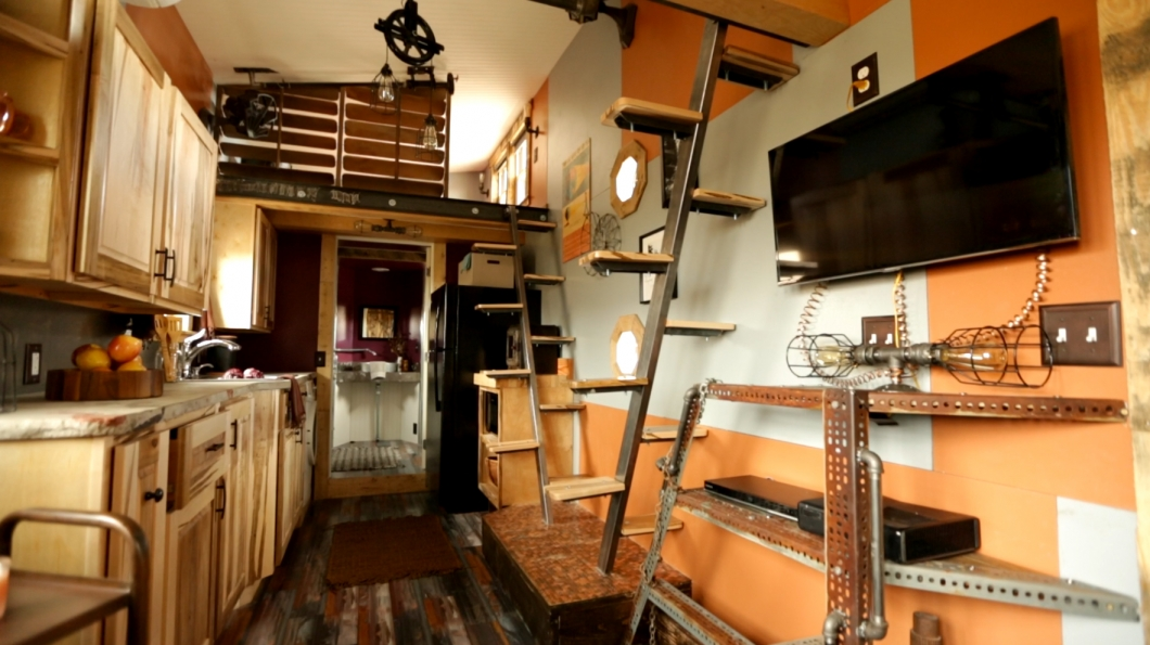 maximus-extremes-steampunk-tiny-kitchen