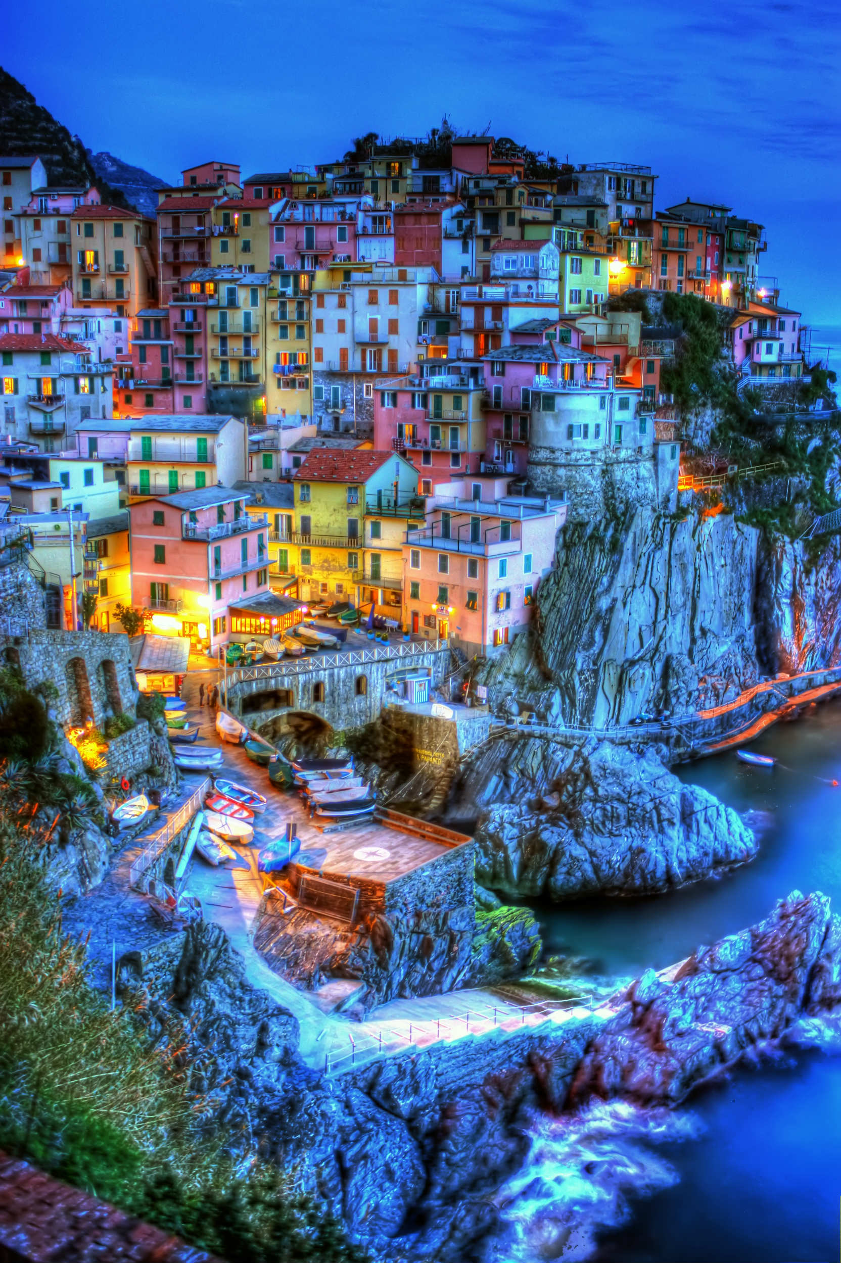 10 Amazing Places to Visit Part 2   Tinyme Blog Spectacular and scenic landscape of Cinque Terre   10 Amazing Places to  Visit Part 2