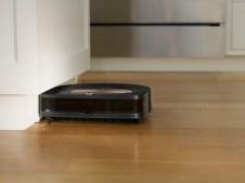 Roomba s9_Toe Kick (1)