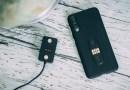 Fonedrop permet le docking et la recharge simultanée de votre smartphone