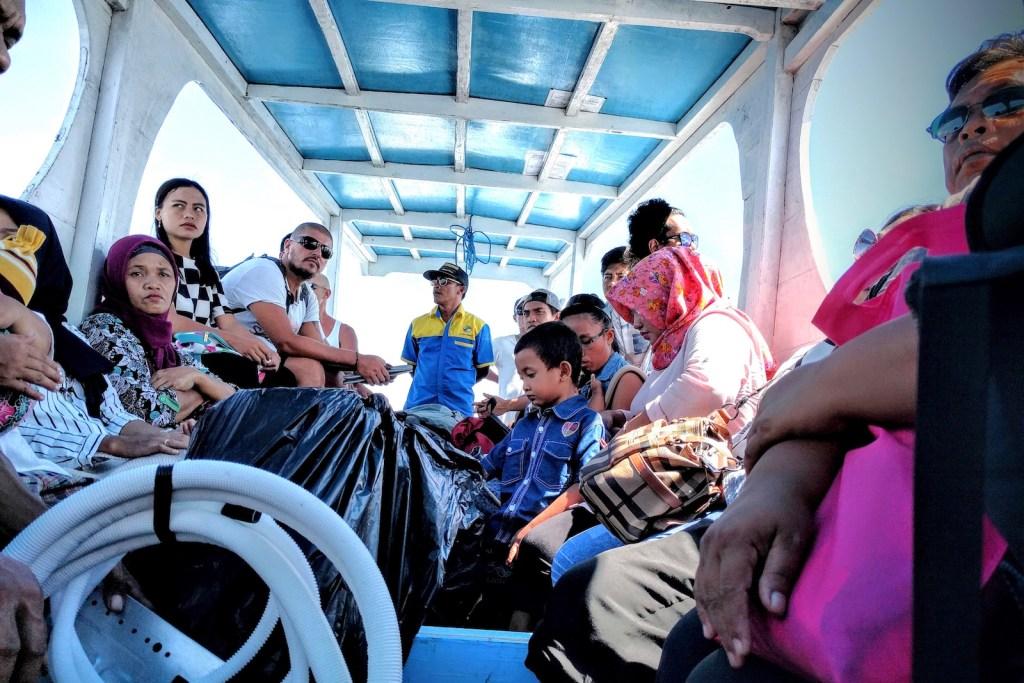 public boat gili air