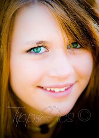 Arent those stunning eyes?