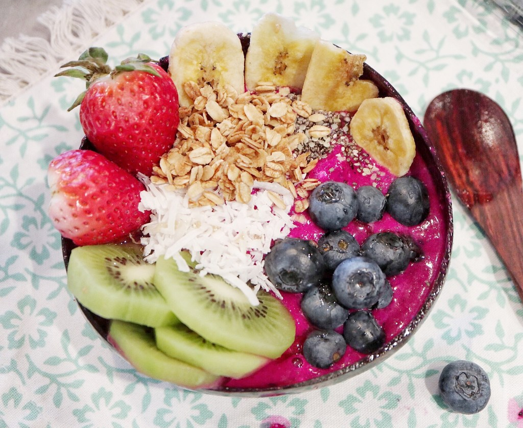 Tropical Pitaya Smoothie Bowl