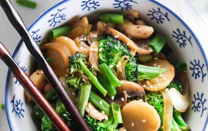 Garlic Chicken and Broccoli Stir Fry
