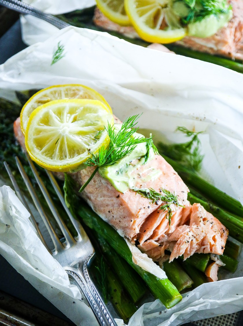 Salmon en Papillote with Asparagus and Avocado Dill Aioli