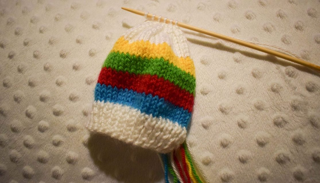 Free Knitting Pattern - Rainbow Baby Mittens - ready to shape the top