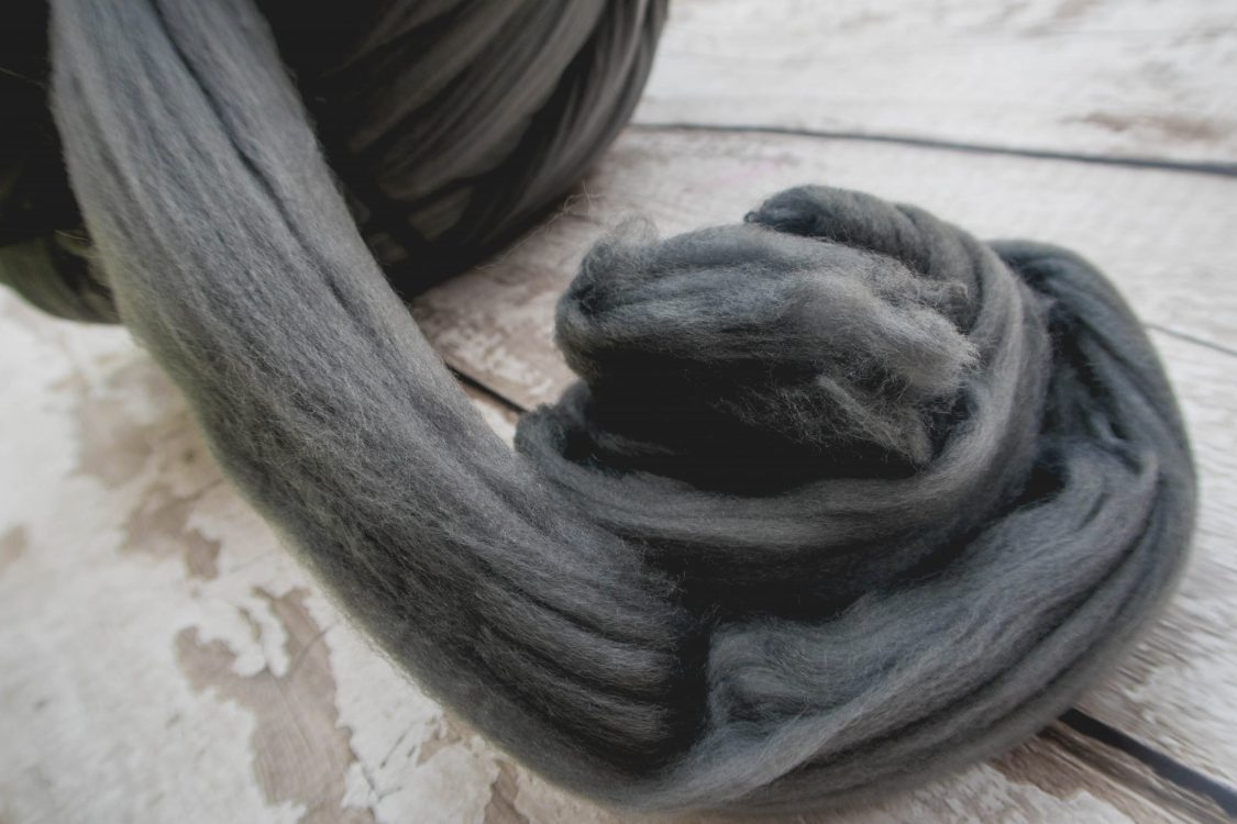 arm knitting with Woolly Mahoosive - the yarn