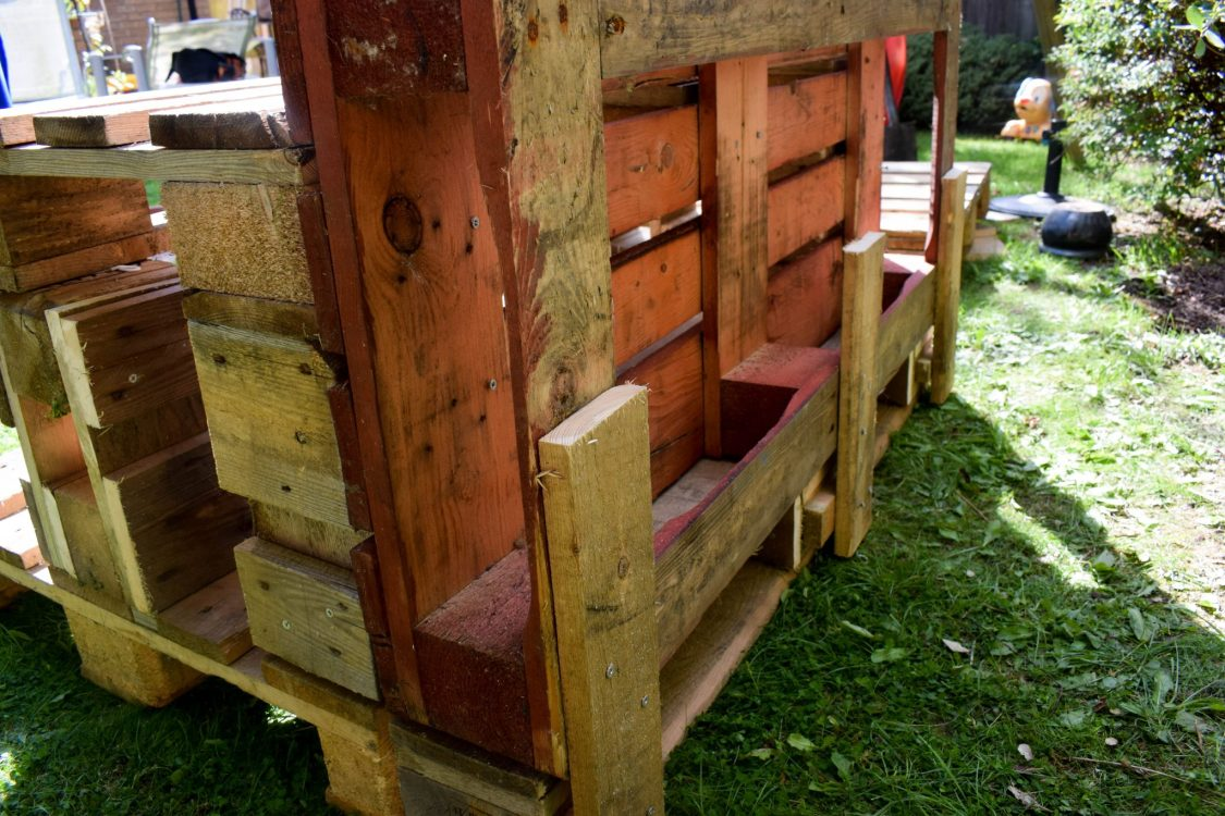 How To Make a Mud Kitchen - back detail