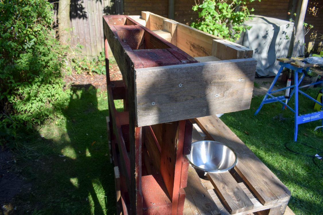 How To Make a Mud Kitchen - the planter