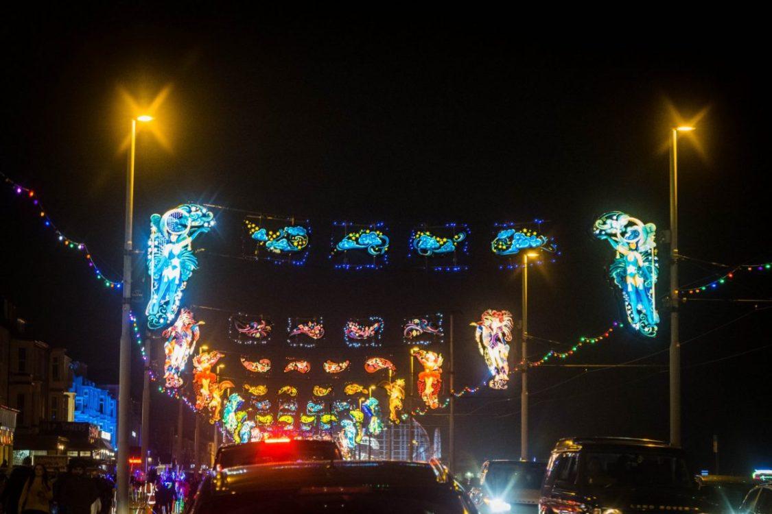 Blackpool illuminations - a drive down the promenade