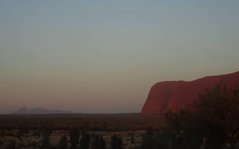 Alba vista dal punto panoramico Talinguru Nyakunytjaku nel Parco Nazionale Uluru-Kata Tjuta in Australia