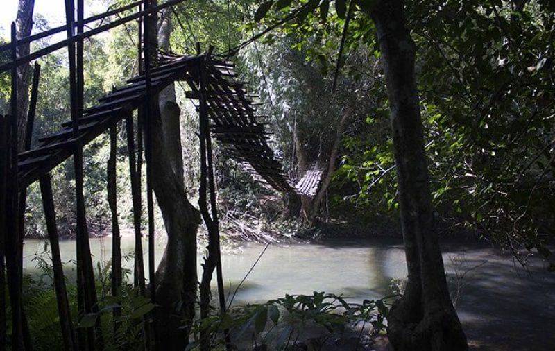 Ponte sospeso di Luang Namtha nel Laos