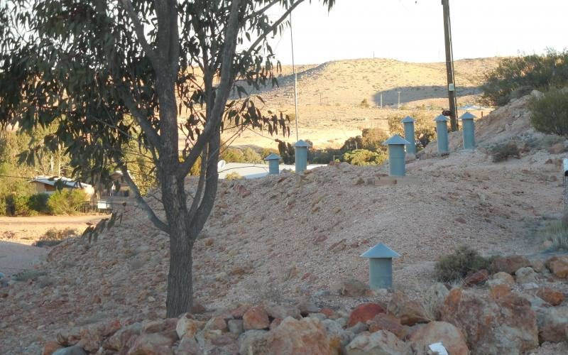 Comignoli sfiatatoi per le case sotterranee di Coober Pedy