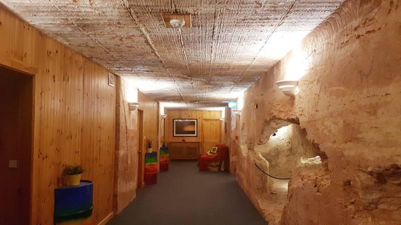 Corridoio scavato nella roccia nell'Hotel Comfort Inn Coober Pedy Experience in South Australia