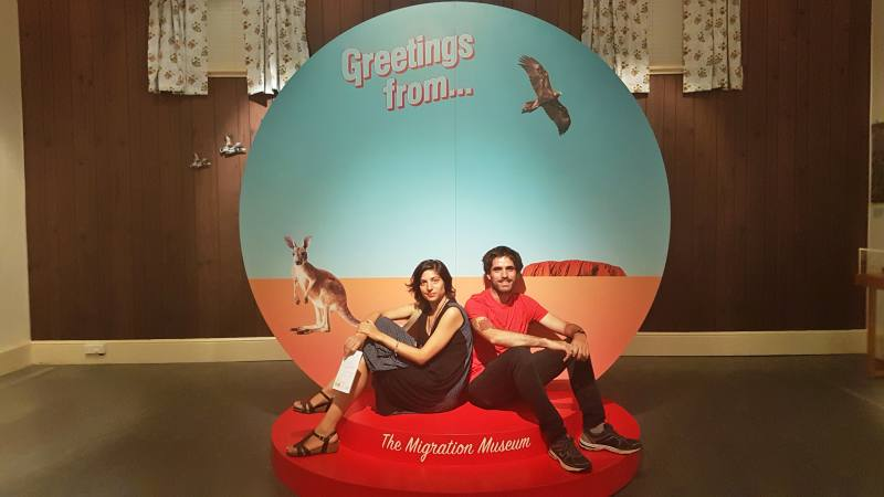 "Foto ricordo ""Greetings from Australia"" dal museo Migration Museum di Adelaide"