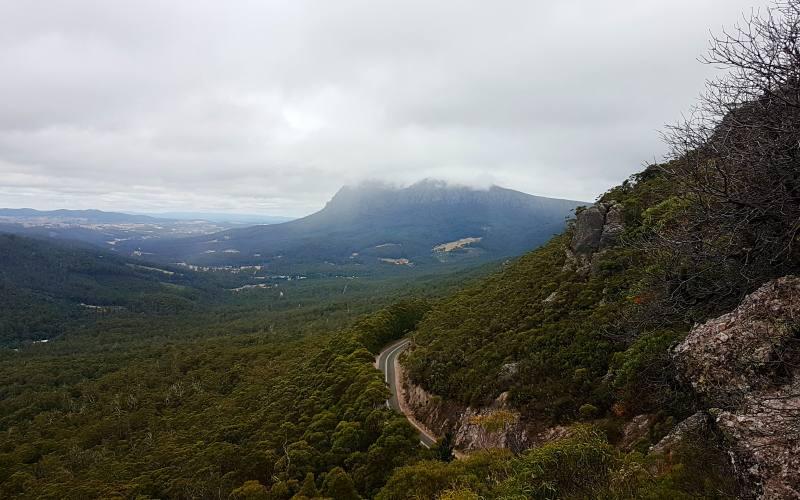 Punto panoramico dalla fine del percorso del Mount Roland in Tasmania