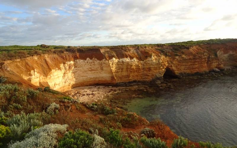 Punto panoramico sulla spiaggia di Bay of Islands durante la Great Ocean Road