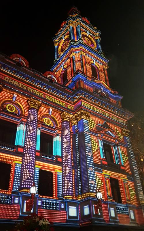 Il palazzo del comune, Town Hall, di Melbourne addobbato a festa per Natale