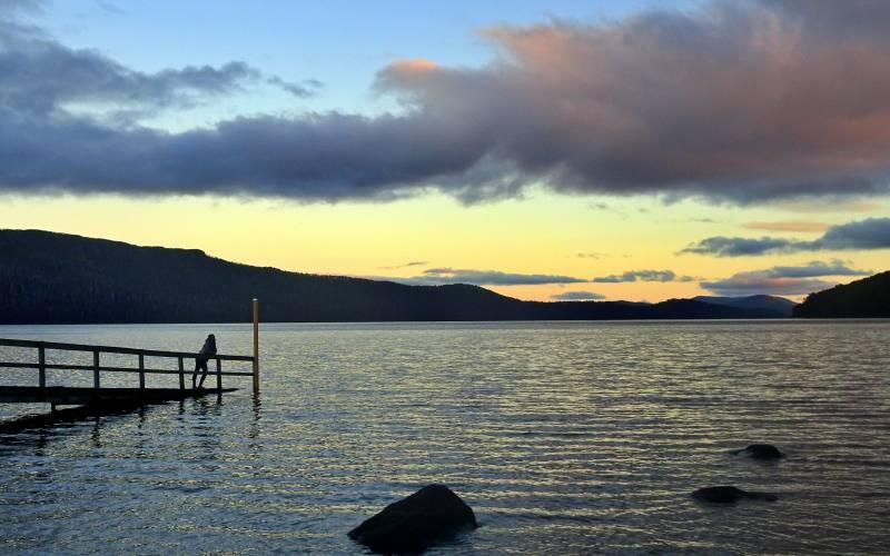Pontile sul lago Lake St Clair da Echo Point, ultima tappa dell'Overland Track