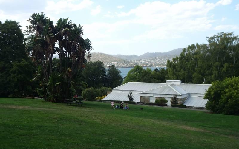 Vista della città dai Giardini Botanici di Hobart in Tasmania