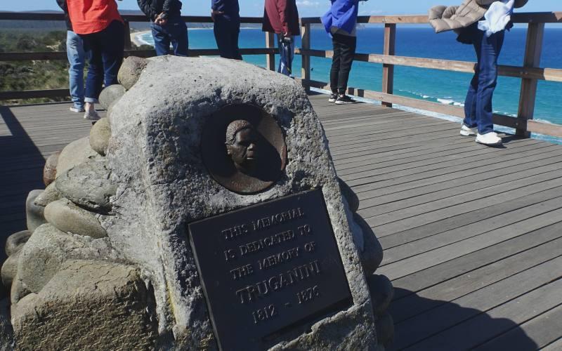 """Memoriale di Truganini al punto panoramico """"The Neck Lookout"""" sull'isola di Bruny Island in Tasmania"""