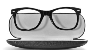 Wayfarer Glasses to Look Winsome