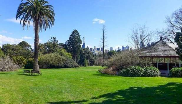 The famous garden is located in the central part of Melbourne.