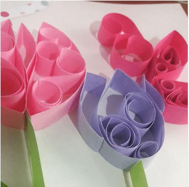 Tarjeta con tulipanes