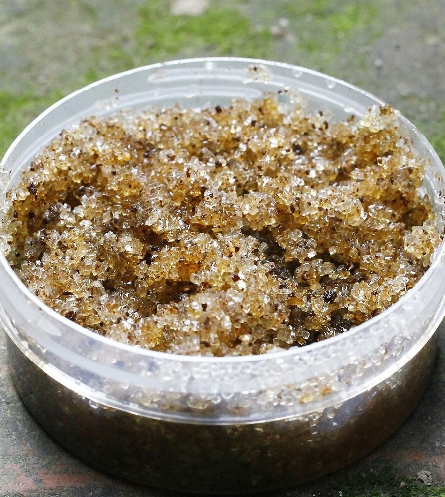 Sugar and coconut oil scrub