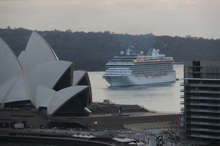 Oceania Ship Sydney Harbour