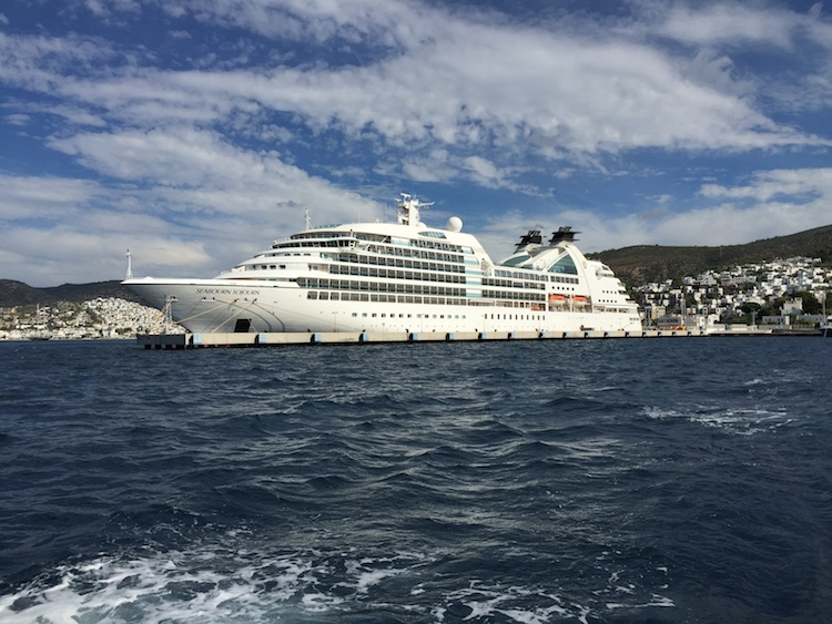 Seabourn cruise tips eight things you should know about cruising seabourn cruise tips eight things you should know about cruising with seabourn tips for travellers fandeluxe Gallery