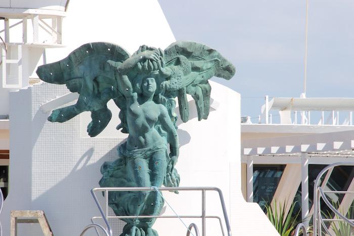 Fred Olsen Balmoral Venus Statue on Pool deck