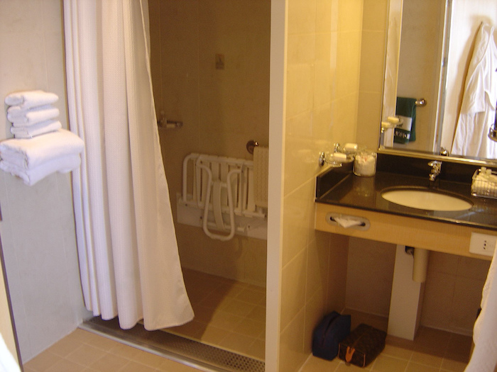 Cunard Queen Mary 2 Wheelchair Access Bathroom Queens Grill Suite