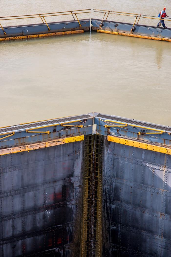 Queen Victoria Camera Club Panama Canal (Advanced) Winner Picture